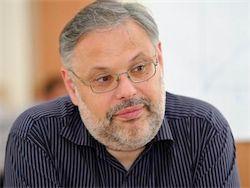 Новость на Newsland: Хазин: правительство работает на США, а Путин — бездействует