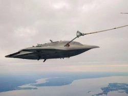 БПЛА X-47B произвёл первую в истории дозаправку в воздухе