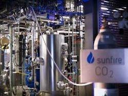 Audi произвела дизельное топливо из воздуха и воды