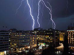 Новость на Newsland: В Греции от удара молнии пострадали 15 российских туристов
