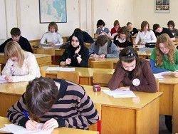 Минобрнауки выступило против переноса начала учебного года