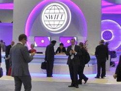 """РФ хотят отключить от SWIFT и уничтожить уже до конца"""