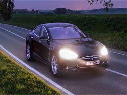 Tesla приступила к испытаниям системы автопилотирования