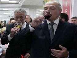 Лукашенко: разгрузить склады с алкоголем до 15 сентября