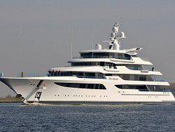 Олигарх Медведчук обзавелся самой дорогой яхтой в мире