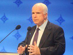 """Маккейн: Центр НАТО """"поможет распространить правду"""""""