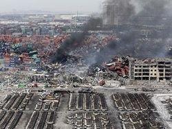 На месте взрывов в Тяньцзине начались пожары