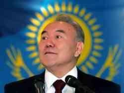 Назарбаев велел не жаловаться на обесценивание денег