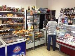 Беларусь: Мингорисполком приказал заполнить магазины водкой