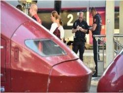 Неизвестный ранил трех человек в поезде Амстердам-Париж