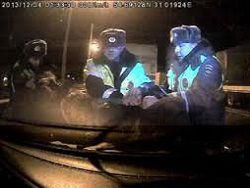 У московских водителей за ночь изъято 500 единиц оружия