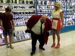 Стас Барецкий, требуя импортозамещения, разбил смартфон