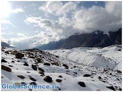Ученые: в Антарктике найдены замороженные глыбы метеоритов