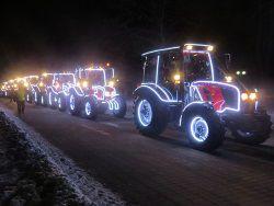 Минск: в честь Нового года прошло шоу тракторов с подсветкой