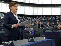 Премьер Польши отвергла критику ЕС в адрес польских реформ