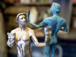 Как делают статуэтки Премии Гильдии киноактеров?