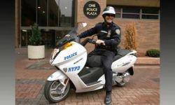 На электроскутерах Vectrix полиция Нью-Йорка подкрадется незаметно