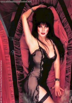 Кассандра Петерсон (Cassandra Peterson) – самая сексуальная ведьма в истории голливудского кино (фото)