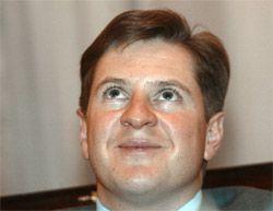 Кто уступил Бородину и Алалуеву контроль над 9% Банка Москвы и откуда они взяли $470 млн и $118 млн на покупку акций - неизвестно