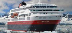 Круизный лайнер MS Fram столкнулся с айсбергом