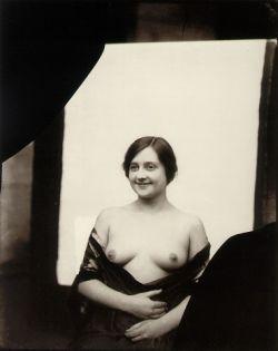 Эротические фотографии начала 20 века от Эрнеста Джеймса Беллока (фото)