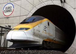 Нелегальные иммигранты попытались проникнуть в Великобританию через железнодорожный туннель под Ла-Маншем