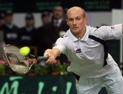 Николай Давыденко обыграл Дмитрия Турсунова в четвертьфинале турнира в Дохе