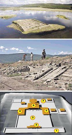"""Экспедиция в Пор-Бажын: Рядом с крепостью нашли \""""ворота Чингисхана\"""""""
