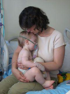 Медики: тяжелая пневмония поддается лечению в домашних условиях
