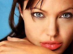 Анджелина Джоли возглавила рейтинг благодетелей человечества