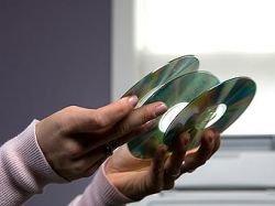 Британские власти предложили легализовать копирование CD