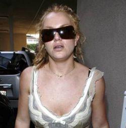 Драка и брошенный автомобиль: скандалы вокруг Бритни Спирс продолжаются