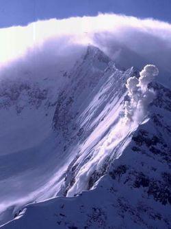 В январе в России возможны землетрясения и снежные лавины