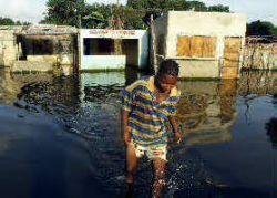 Наводнения в Мозамбике выселяют из домов более 50 тысяч человек