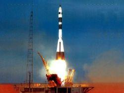 """Старт первого \""""Союза\"""" с космодрома Куру отложен до середины 2009 года"""
