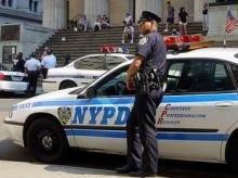 Престарелые мошенники возили на кресле труп приятеля по Нью-Йорку