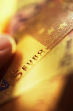 Махинации с кредитными картами. Как себя обезопасить?