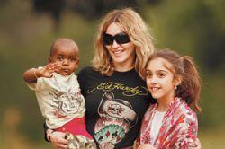 Очередь за детьми: В Голливуде бум на усыновления