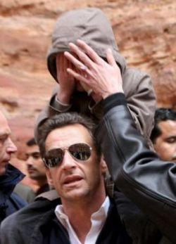 """Николя Саркози дарит Карле Бруни кольцо бывшей жены. Сесилия Саркози: \""""Ты смешон\"""""""