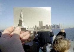 Необычное использование туристических сувениров (фото)