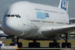 Первое авиапроисшествие произошло с самым большим пассажирским авиалайнером в мире Airbus А380