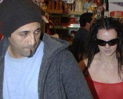 Бритни Спирс уехала в Мексику с любовником-папарацци