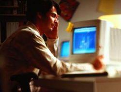 Реклама в интернете все чаще нацелена на офисных работников