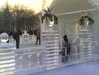В Москве открылся международный конкурс по ледовой скульптуре