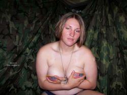 Откровенные снимки девушек из американской армии (фото)