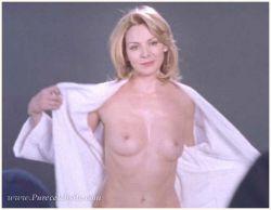 Ким Кэттролл (Kim Cattrall): звезда фильма «Секс в большом городе», снялась в эротических сценах на берегу моря (фото)