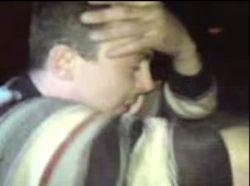 Пьяный мужчина застрял в багажнике (видео)