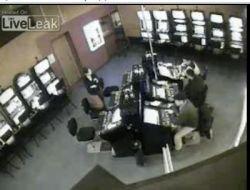 Милицейский беспредел в одном из столичных казино (видео)