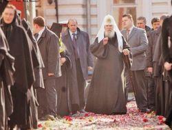 Московский патриархат теряет паству в СНГ. Кому мешает РПЦ?