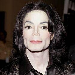 Майкл Джексон вернулся на сцену из-за долгов